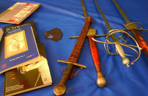 Schwert-Greifen_HEMA Trainingswaffen und Fechtbücher